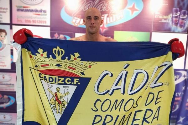 Carlos Coello gana en Thailandia exhibiendo cadismo - Portal Cadista