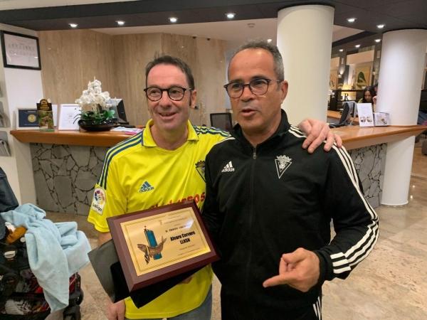 Cervera fue premiado por la Peña Chicharros En Amarillo - Portal Cadista
